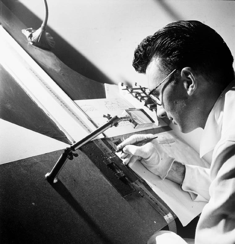 nestor-chayele-norman_mclaren_drawing_on_film